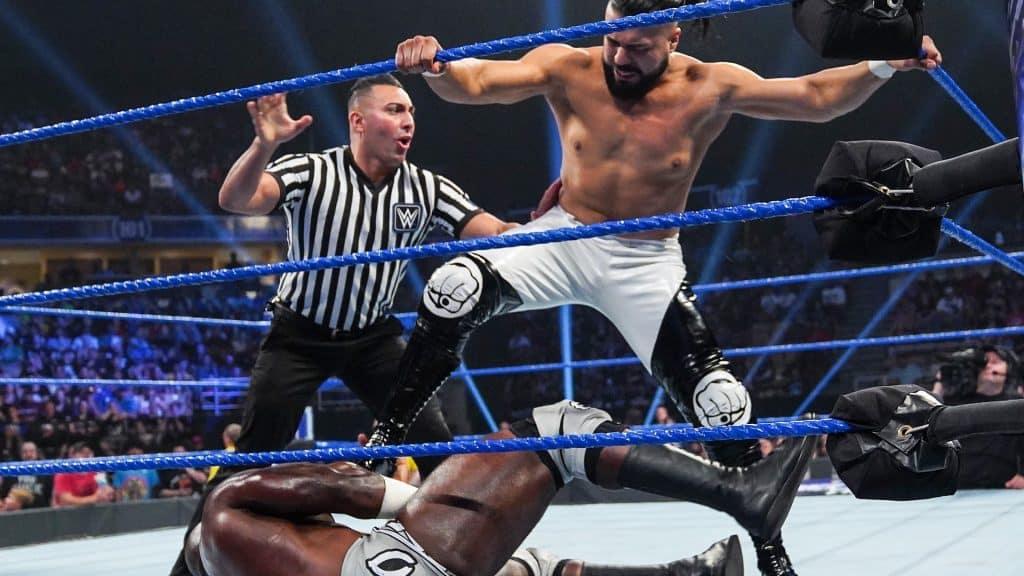 WWE Smackdown Live Andrade ataca