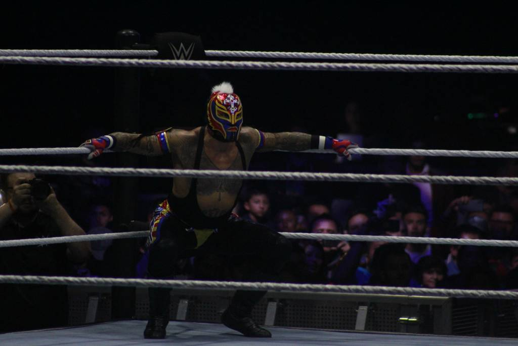Imágenes del WWE Live Bogota. Rey Misterio vs Randy Orton