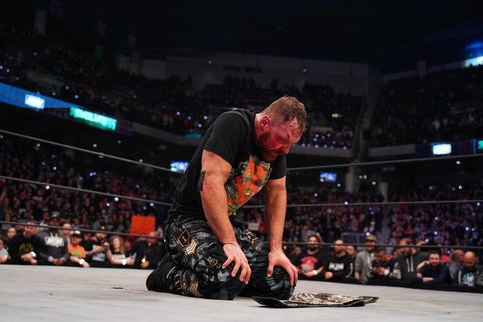 Jon Moxley nuevamente habla de WWE