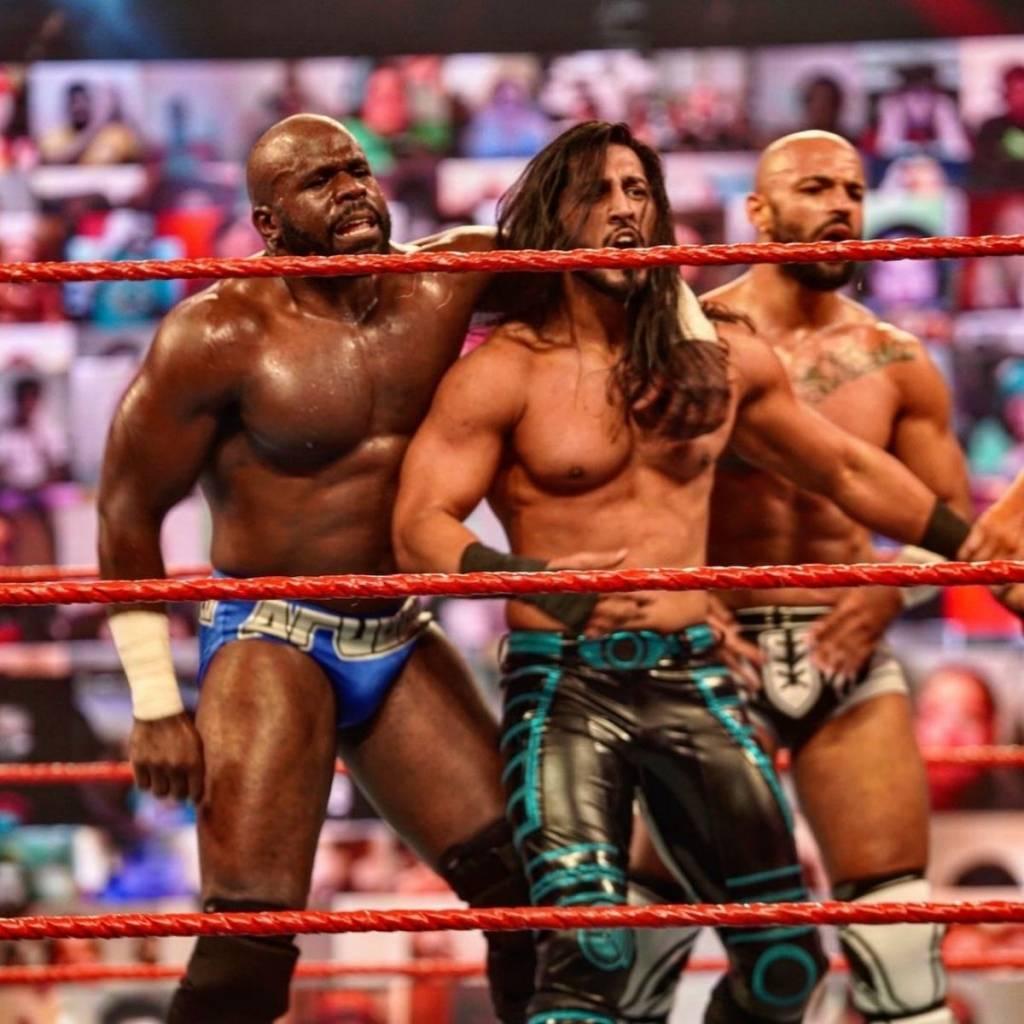 Mustafa Ali se une al stable RETRIBUTIONy Mick Foley envía mensaje a la WWE