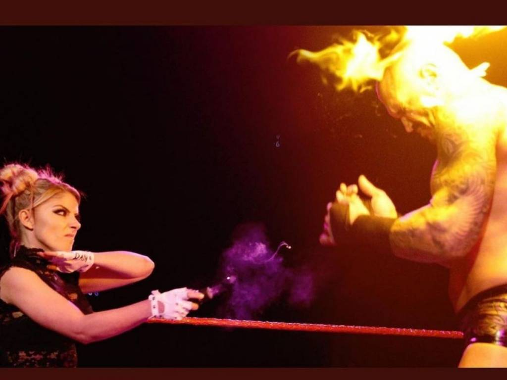 Alexa Bliss hace historia ataque Randy Orton