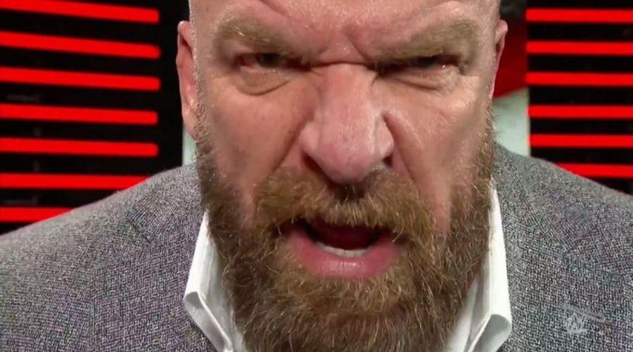 Dura crítica Triple H Raw