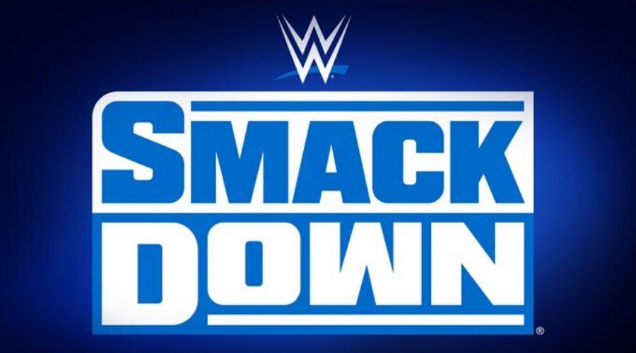 superestrella femenina WWE SmackDown unirse Roman Reigns