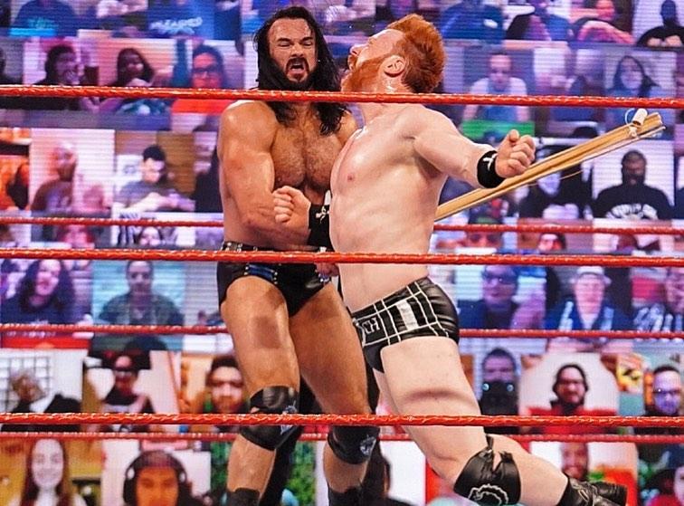 WWE McIntyre así quedó tras su lucha contra Sheamus