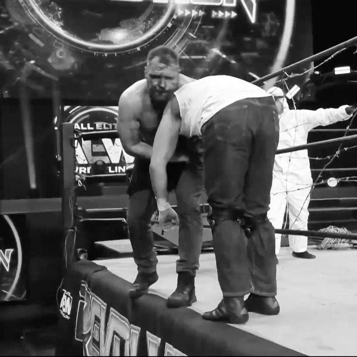 Kenny Omega rompe silencio combate AEW Revolution 2021 Jon Moxley