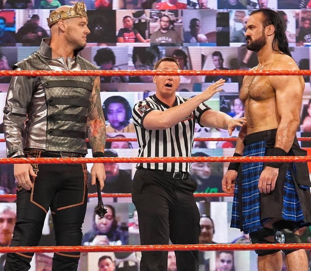 Claymore Drew McIntyre vence Corbin