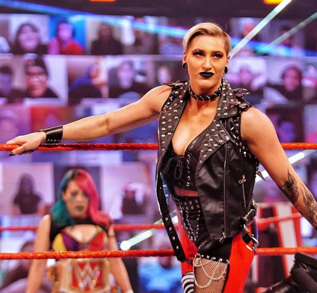 Rhea Ripley ataca Asuka Raw pierden