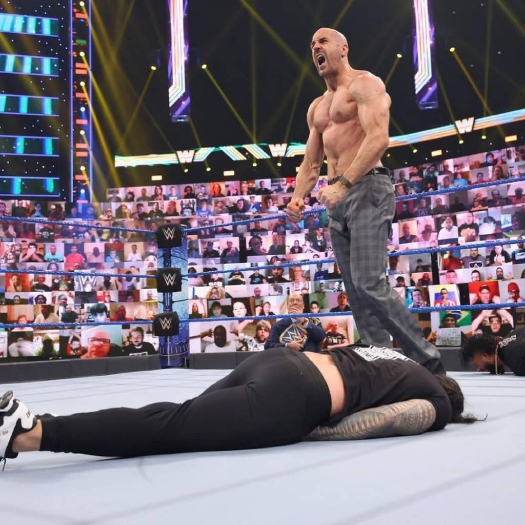 WWE Roman Reigns contra Cesaro