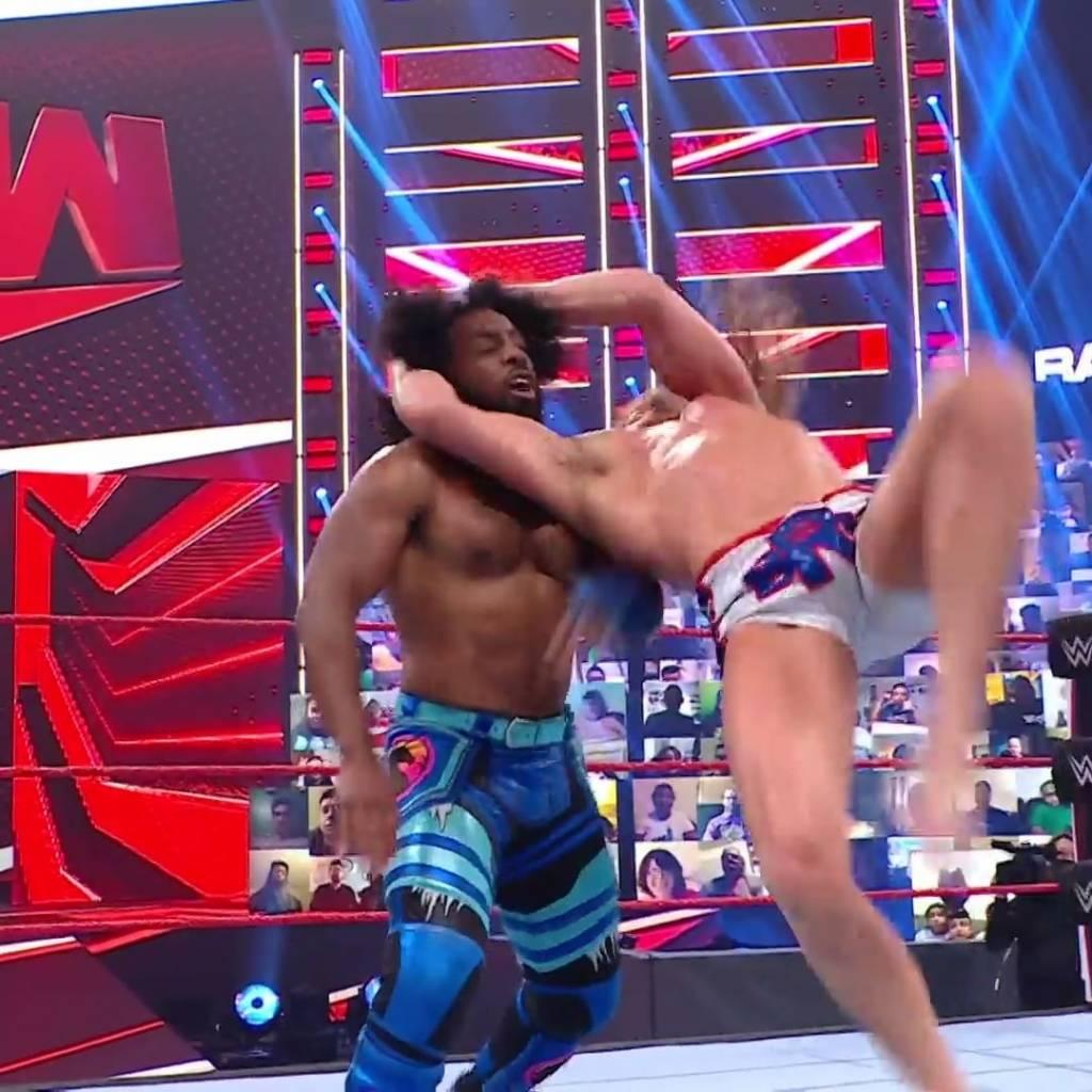 Randy Orton estalla Riddle RKO 2021 RAW