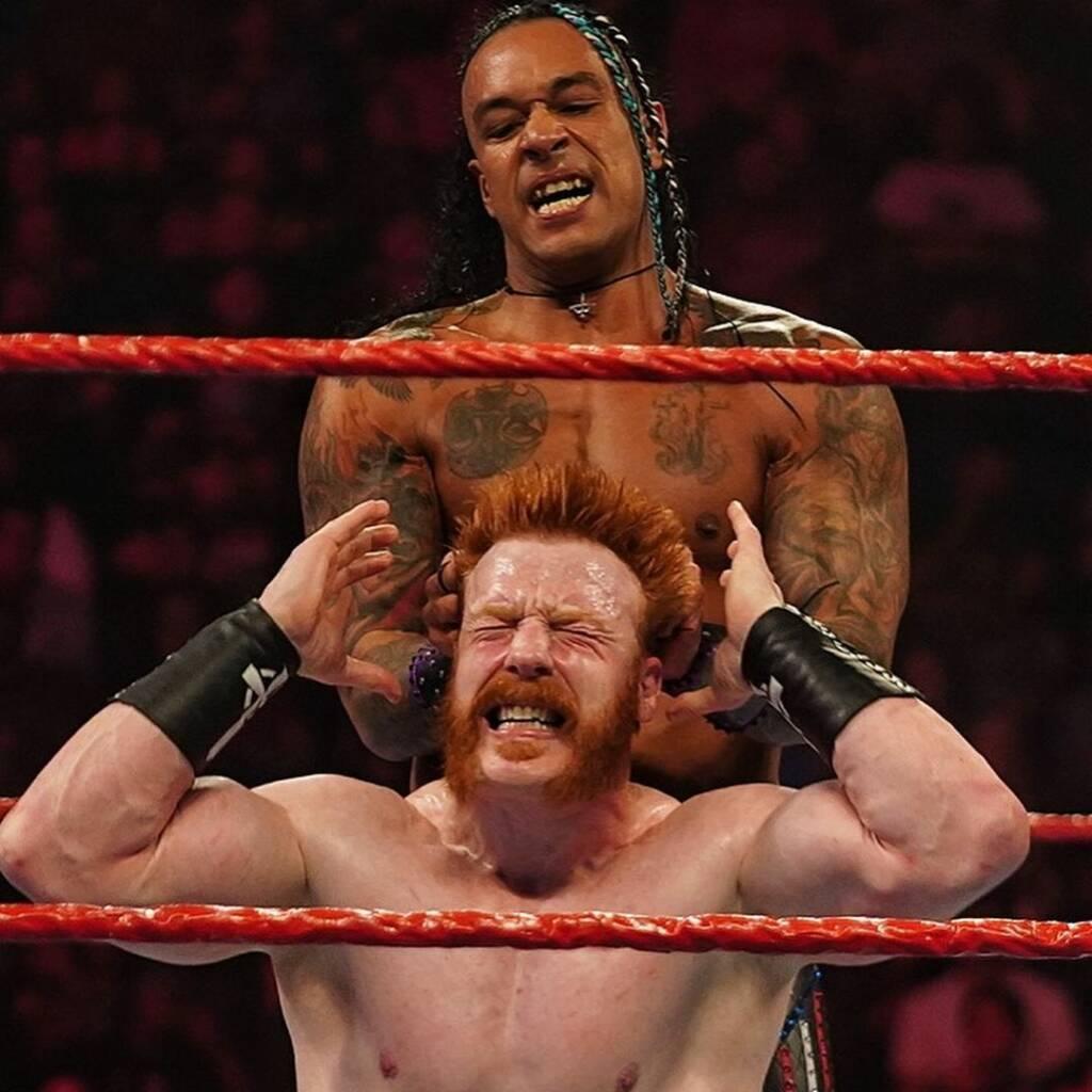 Damian Priest vence Sheamus Raw